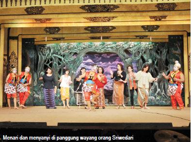 Video: Jalan-jalan ke Solo dan Yogya Nonton Wayang Orang Hingga Kagumi Cantiknya Candi Prambanan ...
