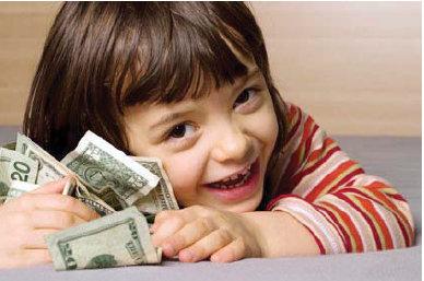 Anak Memegang Uang