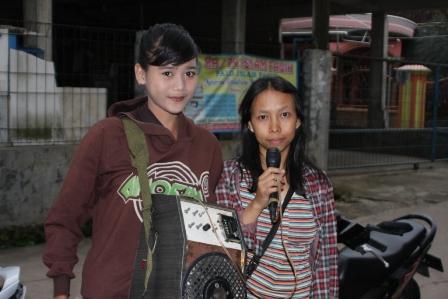 Dewi & Fatimah