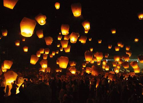 Sambut Imlek, Ada Pelepasan 1000 Lampion di Solo | Kabari News