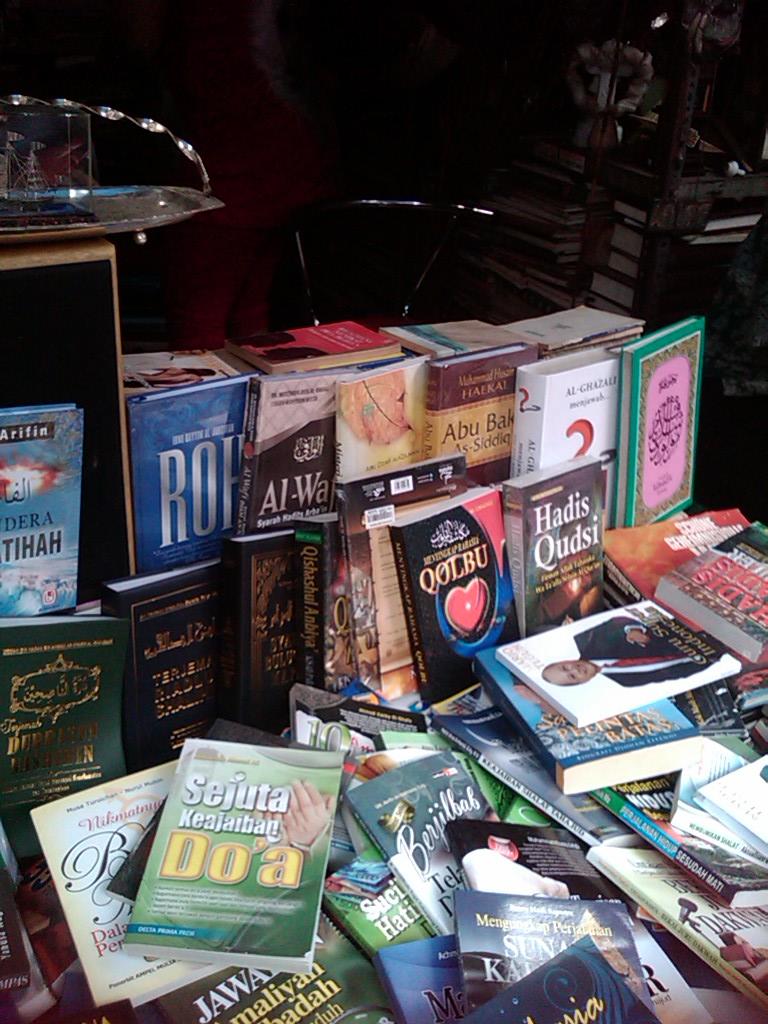 Kios buku Pohan (foto : Kabarinews.com)