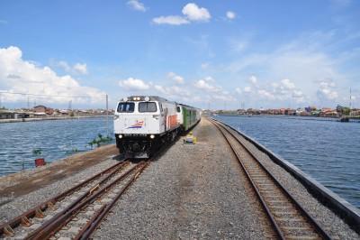 Jalur Ganda telah beroperasi, bahkan di area Tawang yang terendam air.
