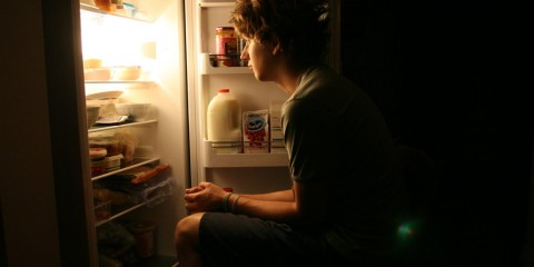 ilustrasi lapar malam hari. foto bathroomjournalist