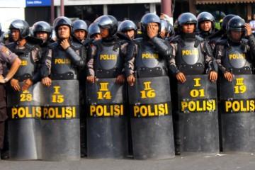 Polisi Anti Huru Hara