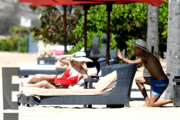 rs_560x415-140908075633-1024.Ashlee-Simpson-Evan-Ross-Bali-Honeymoon-JR14-90814