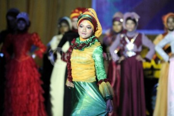 Fashion_Show_Busana_Muslim_