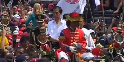Arak-arakan usai pelantikan Presiden ke-7 RI