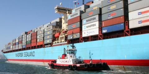 Crowley-Ship-Assist-Admiral-Maersk_slideshow_large
