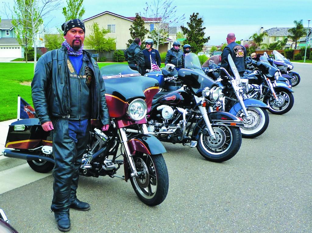 Turing bersama teman-teman moge Harley Davidson