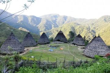 objek-wisata-ntt_58858_10_kampung_wae_rebo