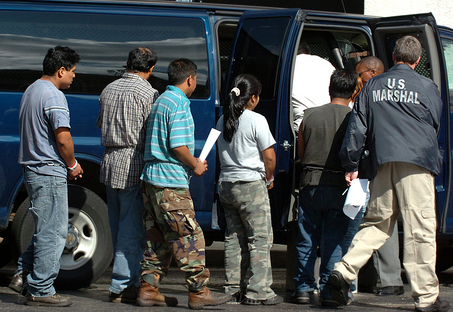 C:Documents and SettingsJOHNOEIMy DocumentsMy Pictureslarge_PrisonersImmigration_Raid_Meye