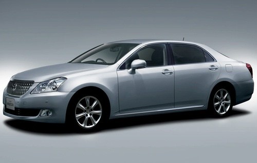 2009-toyota-crown-majesta_2
