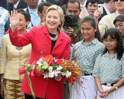 Hillary Clinton Disambut Siswa SD 01 Menteng
