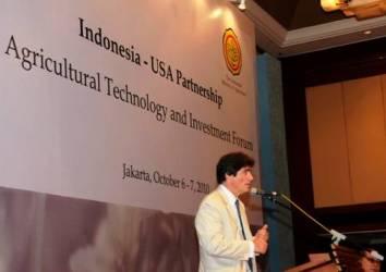asisten menlu as, fernandez, saat membuka forum teknologi dan investasi pertanian indonesia-as