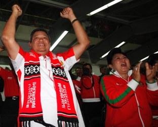 Presiden SBY dan Ibu Ani Yudhoyono saat menonton pertandingan semifinal Piala AFF di GBK