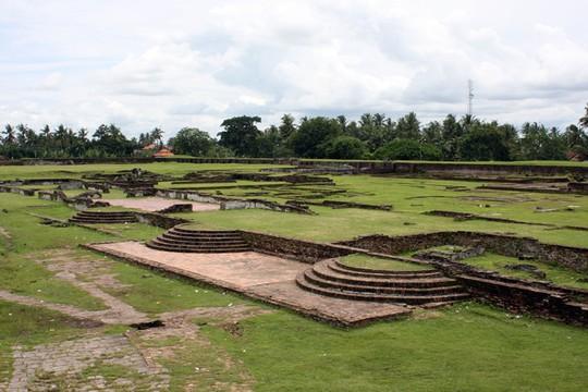 Benteng Surosawan