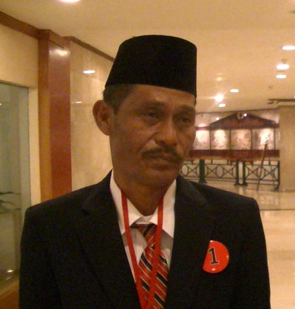 Dengan guru Samsul A dari Aceh