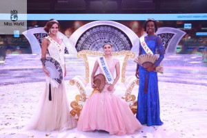 Miss World 2013Megan Lynne Young, dan Runner Up I & II, Marine Lorphelin dari Prancis dan Carranzar Naa Okailey Shooter dari Ghana.