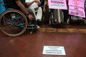 protes-syarat-snmptn-penyandang-disabilitas-demo-di-kemendikbud-008-nfi