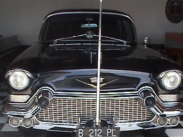 Koleksi mobil klasik  Jimmy Syamsudin