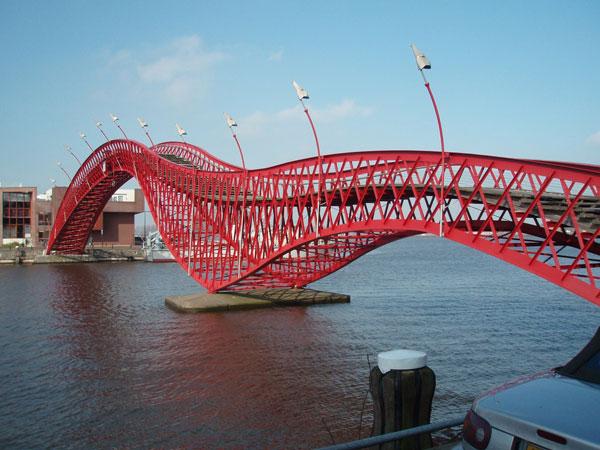 Jembatan Python Amsterdam