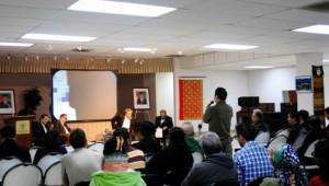 Diskusi masyarakat dengan Plt Dirjen Imigrasi