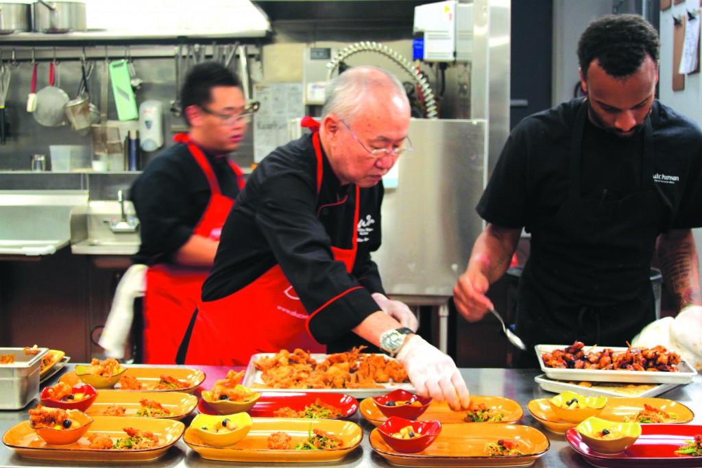 Persiapan hidangan oleh Chef William Wongso