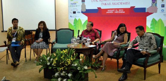 Diskusi Dwikewarganegaraan yang mendapat atensi publik. Hadir pembicara dari Kementerian Luar Negeri, Pemerintah dan Akademisi