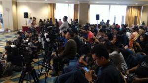 ratusan jurnalis yang meliput AADC 2