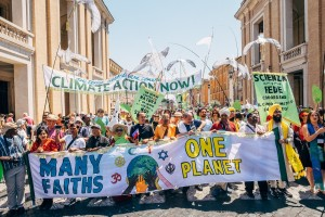 Una Terra Una Familglia Humana Climate Change March | Vatican City